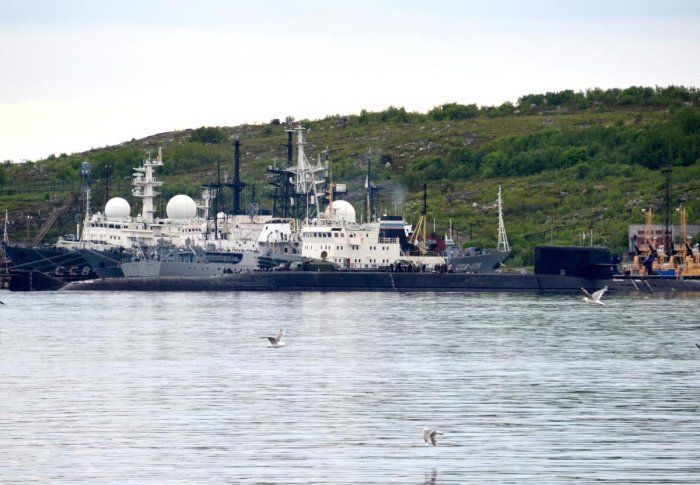 The seamen died on Monday due to smoke inhalation, the defence ministry said, following the fire on a submersible in the Barents Sea in Russia's territorial waters, but the accident was only made public on Tuesday. (AFP Photo)