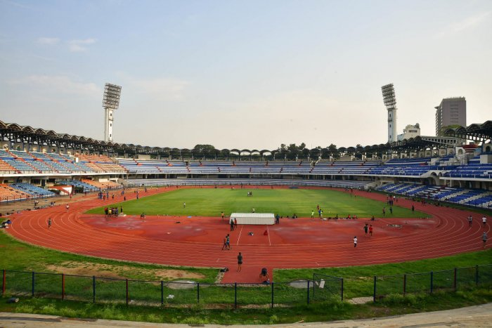 The High Court questioned the permission given to JSW Football Club Private Limited to organise football matches in Kanteerava Stadium. DH FILE PHOTO