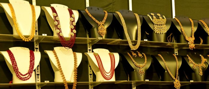 The gems and jewellery exporters Saturday expressed disappointment over a significant increase in the import duty on gold. (DH Photo)