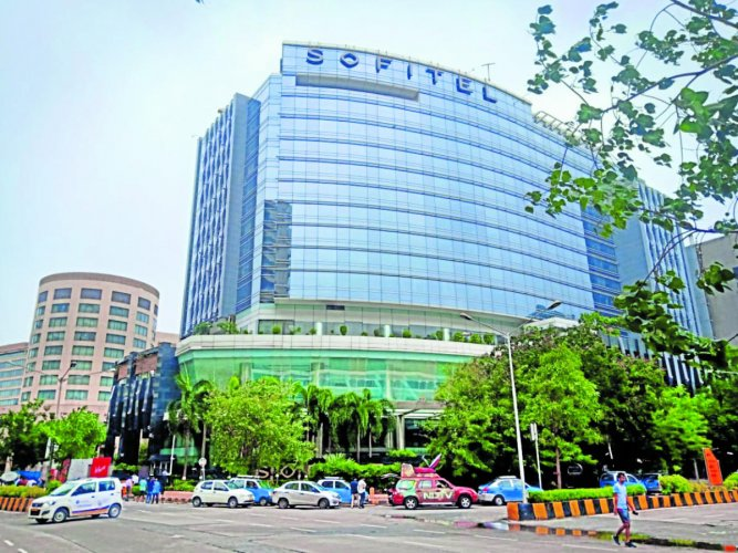 Sofitel Hotel, which is located in close proximity to the US Consulate, the British Deputy High Commission and the Mumbai Cricket Association ground, has witnessed several political activities in the past.