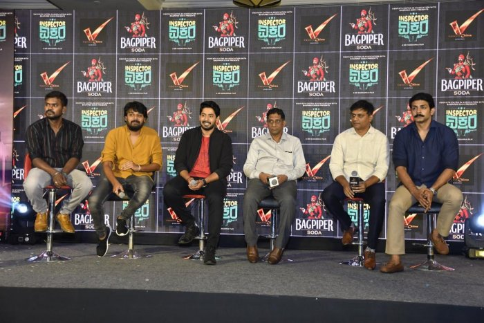 (From left) Director Sri Narasimha, Producer Vikhyath, Actor Prajwal Devaraj, Devendra Reddy, Anoop Saleen and Raghu Mukherjee at the launch of the second teaser.