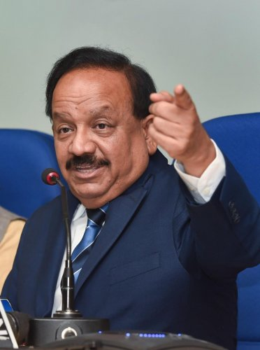 Harsh Vardhan addresses a press conference on new technology developed by CSIR for firecrackers with reduced emission levels in New Delhi last year (PTI File Photo)