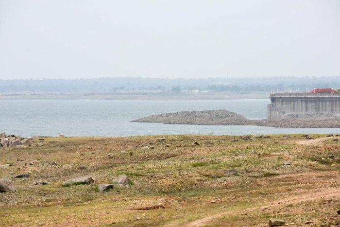 The dry KRS reservoir in Mandya district. DH FILE