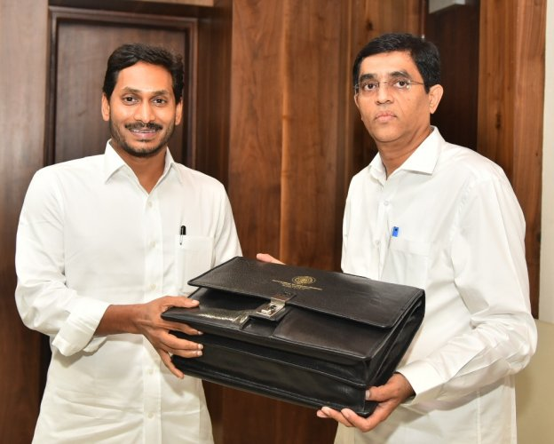 Jagan's budget propose to finish Polavaram by 2021 | Deccan