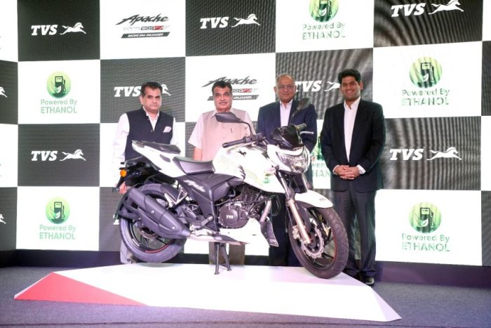 Amitabh Kant, CEO of Niti Aayog, Nitin Gadkari, Minister for Road Transport and Highways of India & Micro, Small and Medium Enterprises, Venu Srinivasan, Chairman, TVS Motor Company ,Sudarshan Venu, Joint Managing Director, TVS Motor Company, during the launch in New Delhi on Friday. Picture credit: TVS Motor Company
