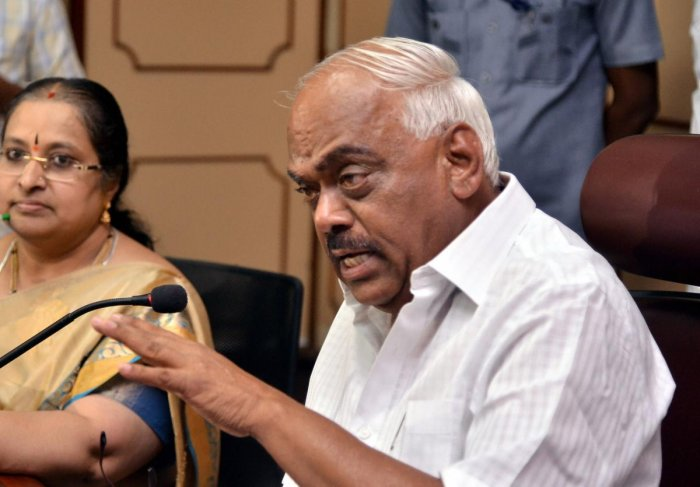 Assembly Speaker Ramesh Kumar addresses a press conference after meeting with rebel MLAs at his chamber, at Vidhana Soudha in Bengaluru, Thursday, July 11, 2019. (PTI Photo)