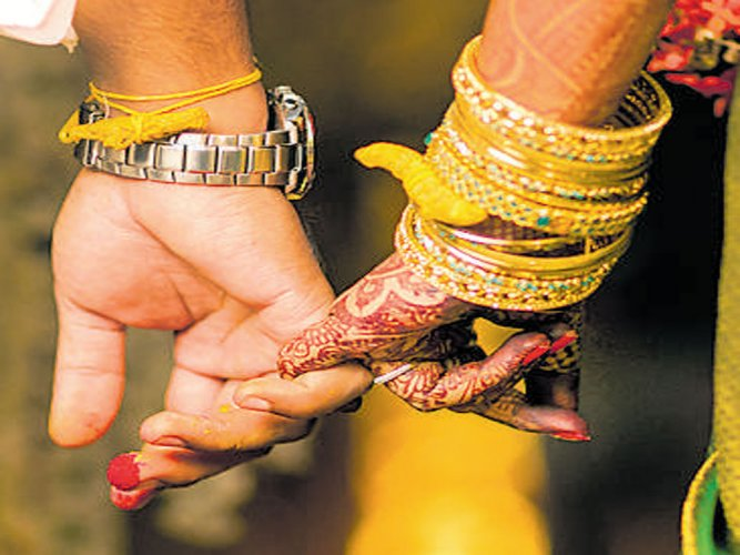 The couple had alleged that they had been on the run since they clandestinely tied the nuptial knot at a temple in Prayagraj a few days ago. File photo for representation