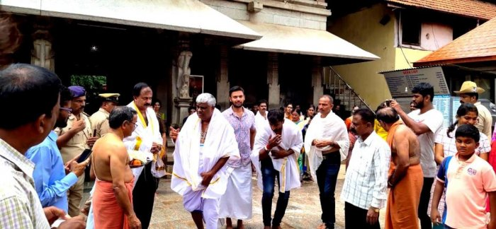 Public Works Department Minister H D Revanna visited Sri Mookambika Temple in Kollur on Sunday.