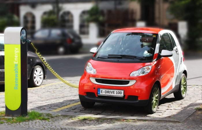 In an eco-friendly push for sustainable mobility, the Bangalore Development Authority (BDA) is to set up charging stations for e-vehicles in its upcoming projects.