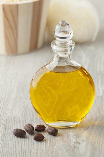 Jojoba oil has antibacterial, anti-inflammatory and anti-fungal properties.