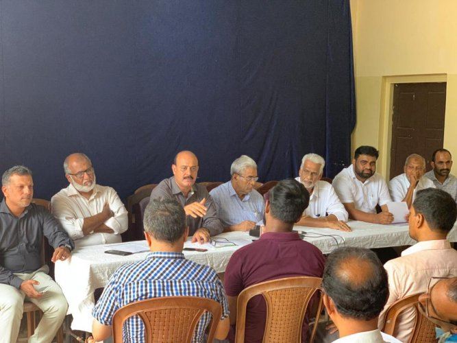 Mangaluru Hajj Camp secretary B M Mumthaz Ali speaks to reporters at Hotel Woodlands, Mangaluru.