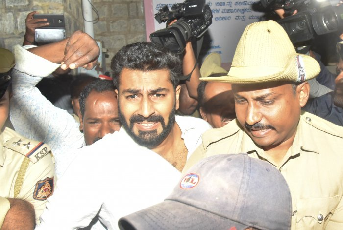 Mohammed Nalapad, son of Shanthinagar Congress MLA N A Haris, walks out of the central jail in Bengaluru after obtaining bail from the Karnataka High Court in the pub assault case. (DH File Photo/Janardhan B K)