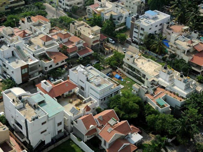 Putting an end to the unbridled growth of Bengaluru and civic problems associated with it, the state government is mulling to enforce a ban on construction of apartments for the next five-years within Bengaluru. DH file photo for representation