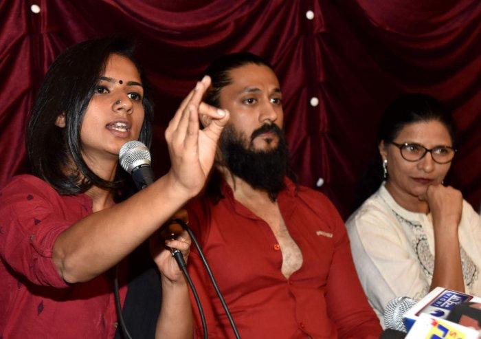 Actress Sruthi Hariharan with actor Chetan and filmmaker Kavitha Lankesh at a press conference on Saturday. DH PHOTO/MANJUNATH M S