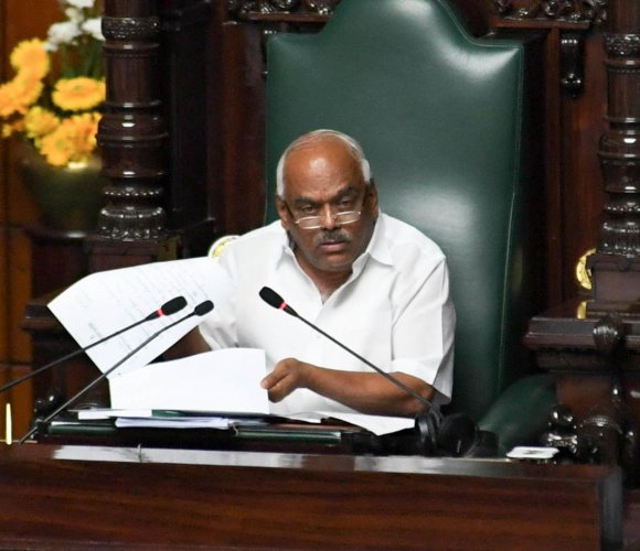 Speaker Ramesh Kumar during the debates on confidence motion moved by chief minister H D Kumaraswamy at Vidhana Soudha in Bengaluru on Thursday. (DH Photo/ B H Shivakumar)