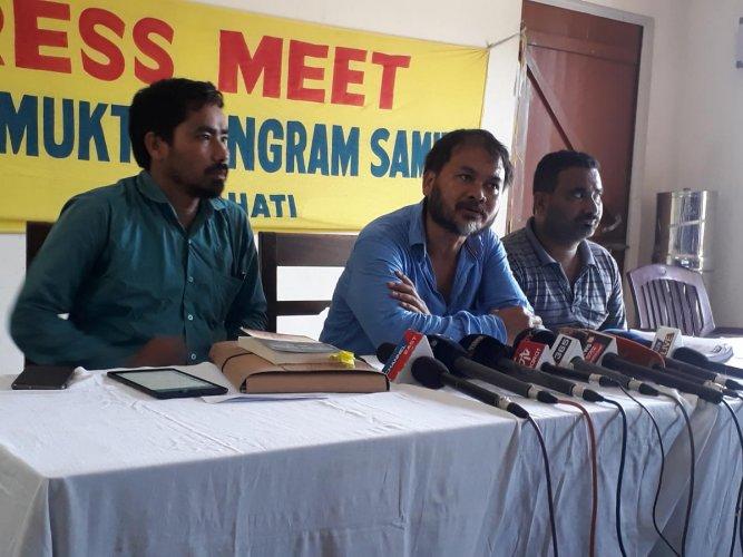 Anti-dam activists addressing a presser.