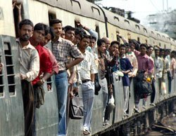 'Shortage of railway policemen to guard women compartments'