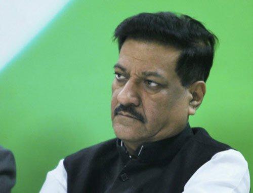Maharashtra partially accepts Adarsh probe report