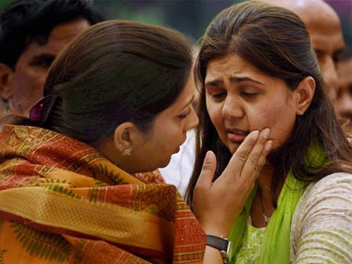 Munde's daughter inducted into Maharashtra BJP panel