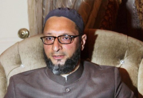 Owaisi demands quota for backward Muslims in Maharashtra