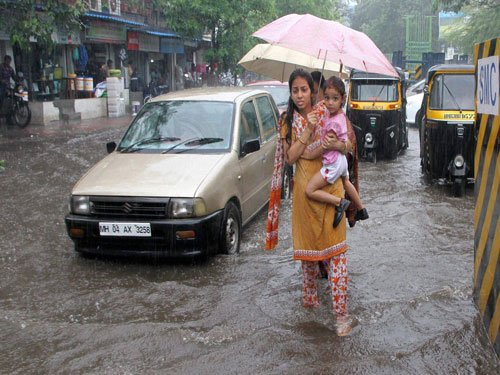 Rains drench north; 1 killed in downpour in Maharashtra