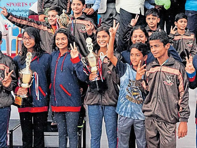 Maharashtra retain crown