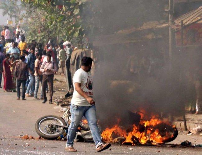 1 more killed as violence, arson rocks Maharashtra