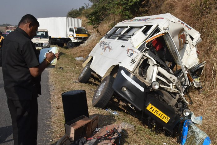 At least 10 people were killed and nearly 15 others injured when a tempo crashed into a truck on the Latur-Mukhed road in the Marathwada region of Maharashtra. Pic for representation purpose only.