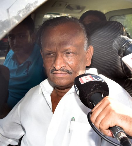 "In the video, he said that MLAs had held 3-4 meetings under his leadership. ""In these meetings, he had criticised the injustice meted to senior Congress leaders and had decided to resign,"" Nagaraj said."
