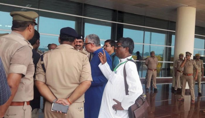 Derek O'Brien led TMC delegation protest after they were stopped by police at the airport, while on their way to meet family members of victims killed in clashes over a land dispute in Sonbhadra (PTI Photo)