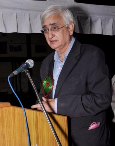 Aligarh: Former Union minister Salman Khurshid addresses a function in Aligarh Muslim University on Sunday. Khurshid has said there are Muslims' blood stains on the Congress hands. PTI Photo (PTI4_24_2018_000174B)