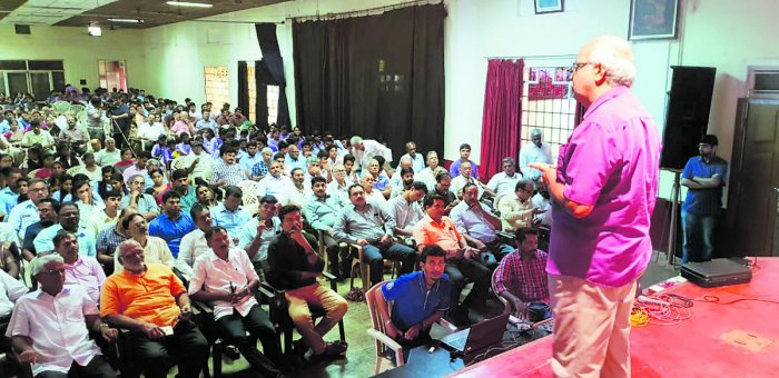 Water conservation expert Shree Padre speaks at a workshop on rainwater harvesting at MGM College in Udupi on Saturday.