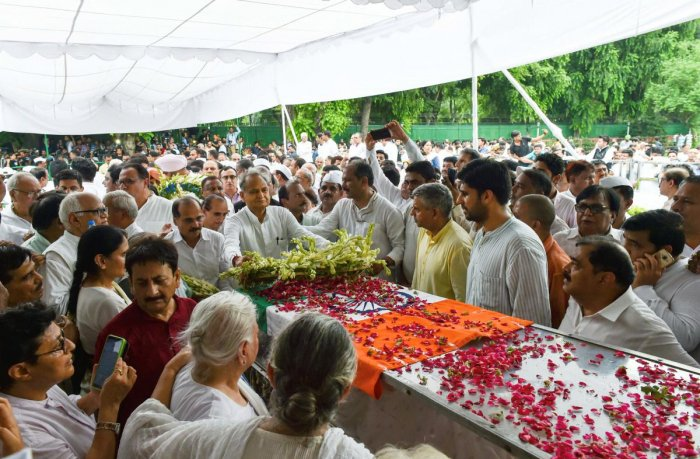 Rajasthan Chief Minister Ashok Gehlot pays his tributes to former Delhi chief minister Sheila Dikshit at Congress headquarters, in New Delhi (PTI Photo)