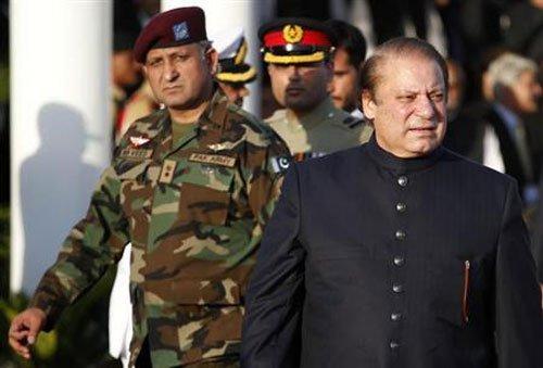 Despite promises to talk, new Pakistan PM gets tough on insurgents