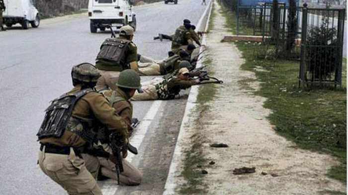 Pakistan troops fire unprovoked at LoC again