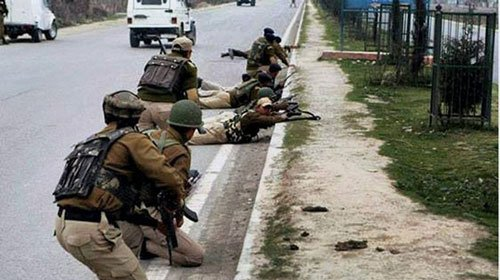 Pakistan violates ceasefire as Manmohan returns after meeting Sharif
