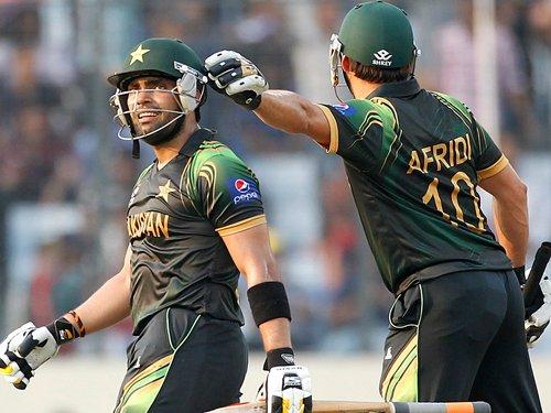 Pakistan defeat Australia by 16 runs in WT20