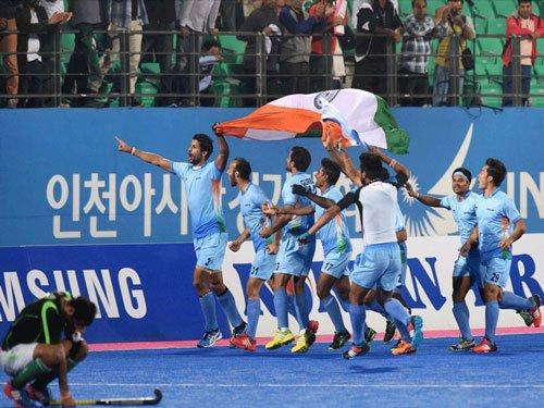 India beat Pakistan to clinch hockey gold