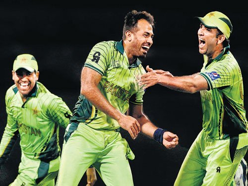 All-round Riaz gifts Pakistan their first win