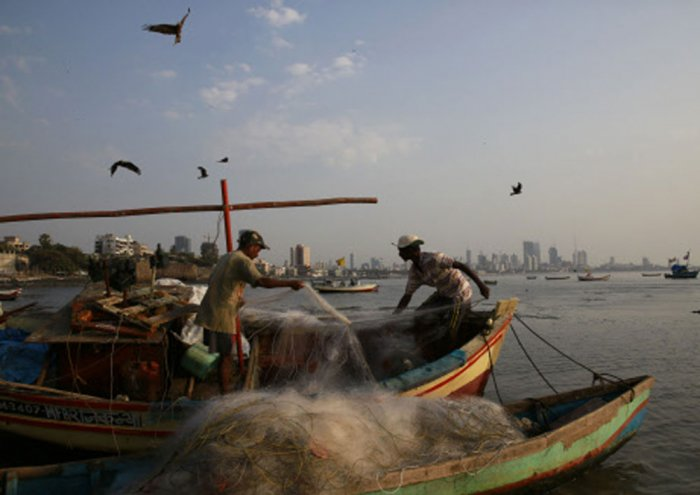 Pakistan arrests 45 Indian fishermen