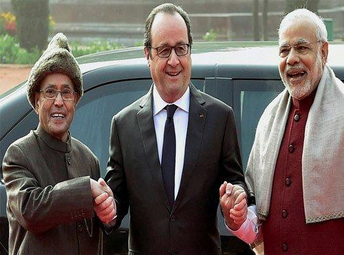 Hollande, Modi ask Pakistan to act on terrorism