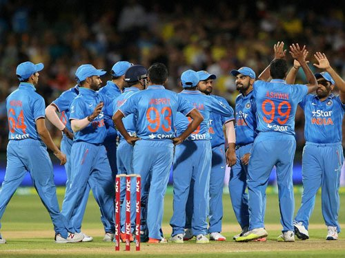 India skittle out Pakistan for 83 in Asia Cup