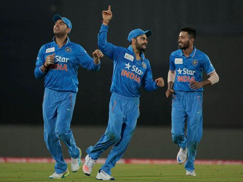 India fight past Pakistan in Asia Cup