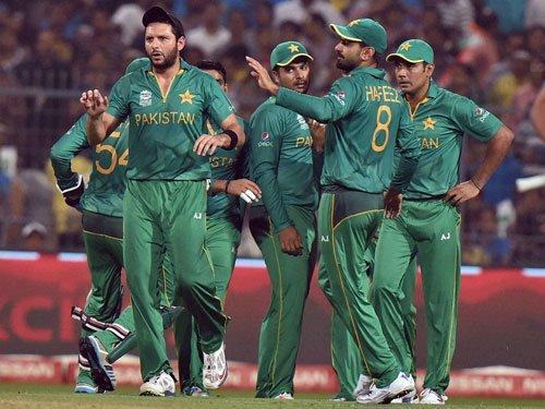 Pakistan media criticises coach, captain for tactical errors