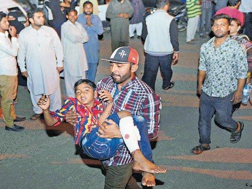 Suicide bomber kills 65, mostly women, children in Pakistan park