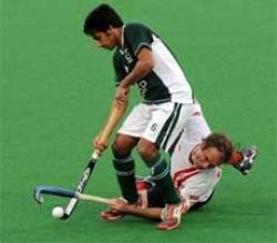 Pakistan claim wooden spoon
