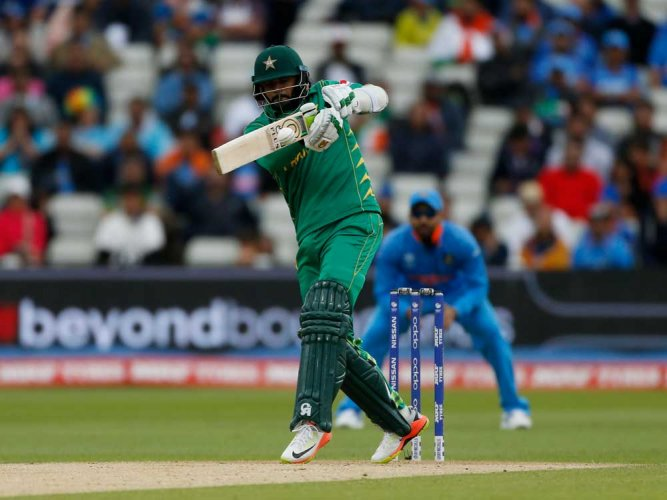Play resumes, Pakistan need 289 in 41 overs