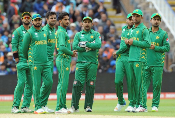 Pakistan win toss, invite SL to bat