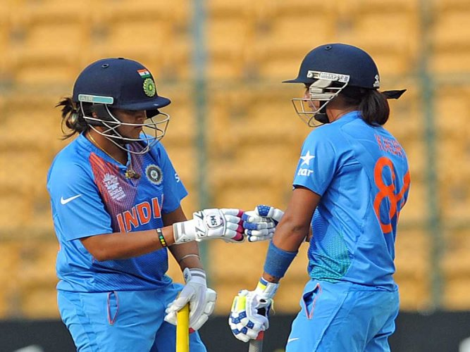 India opt to bat against Pakistan in Women's World Cup