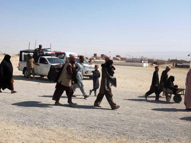 Afghan-Pakistan border villages brace for Berlin Wall-style divide